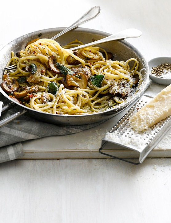 Linguine with garlic mushrooms and sage
