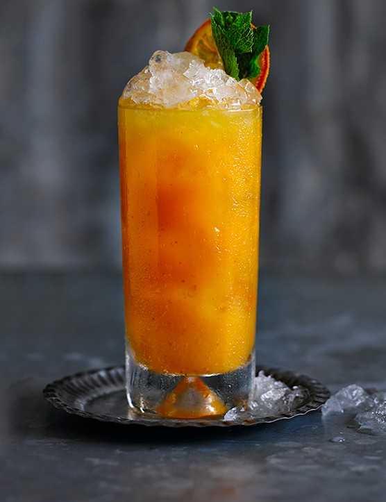 Spiced Rum Cocktail with Prosecco