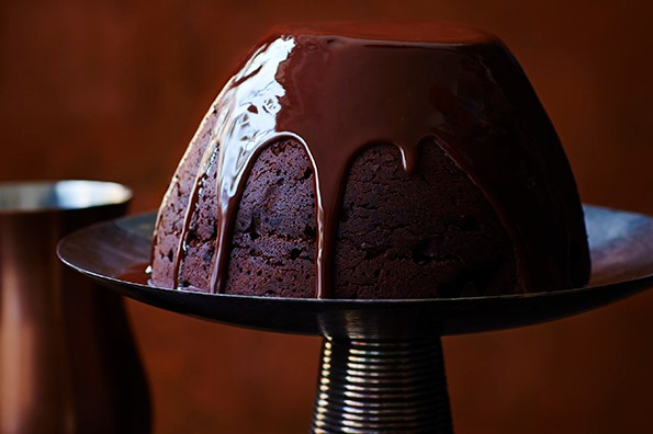 https://www.olivemagazine.com/recipes/baking-and-desserts/chocolate-caramel-lindt-ball-pudding/