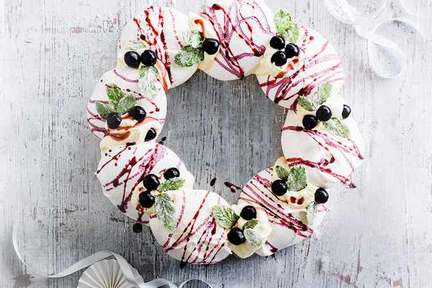 Cassis Meringues Recipe with Champagne Cream