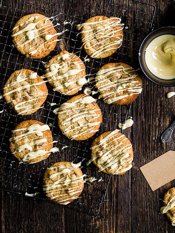 Apricot And White Chocolate Cookies