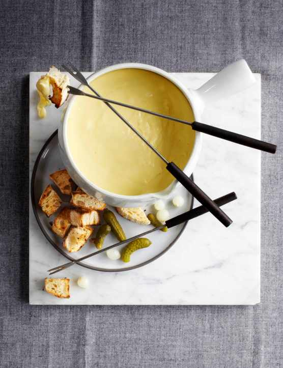 How To Make Cheese Fondue and Cheese Fondue Recipe