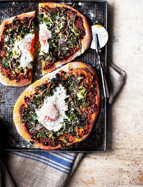 Fiorentina Pizza Recipe with Kale