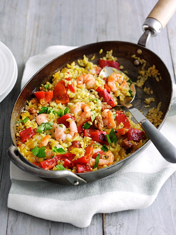 Quick prawn and chorizo paella