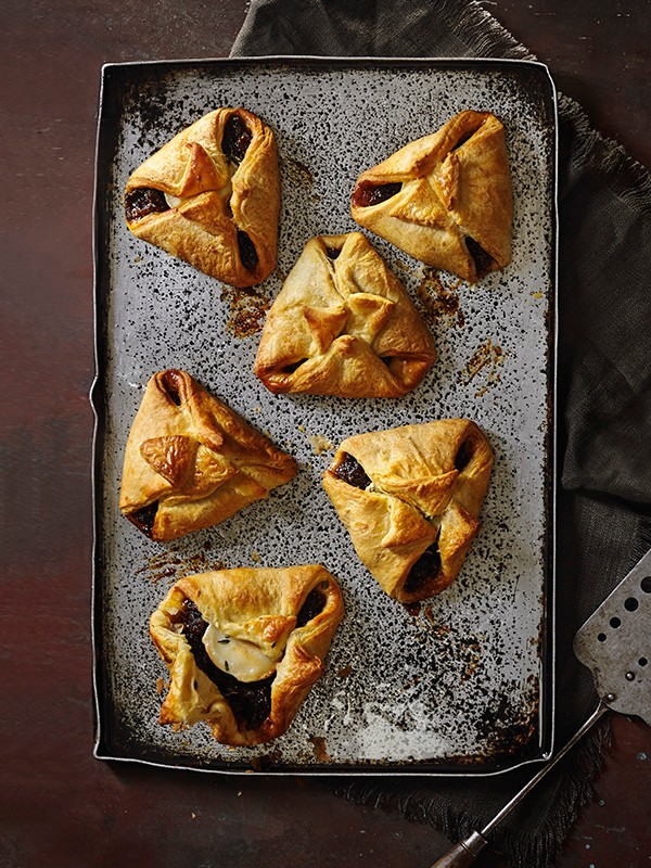 Goat's Cheese Puffs Recipe with Figs and Thyme