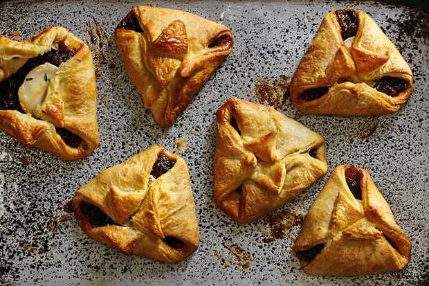Fig and Goat's Cheese Puffs Recipe