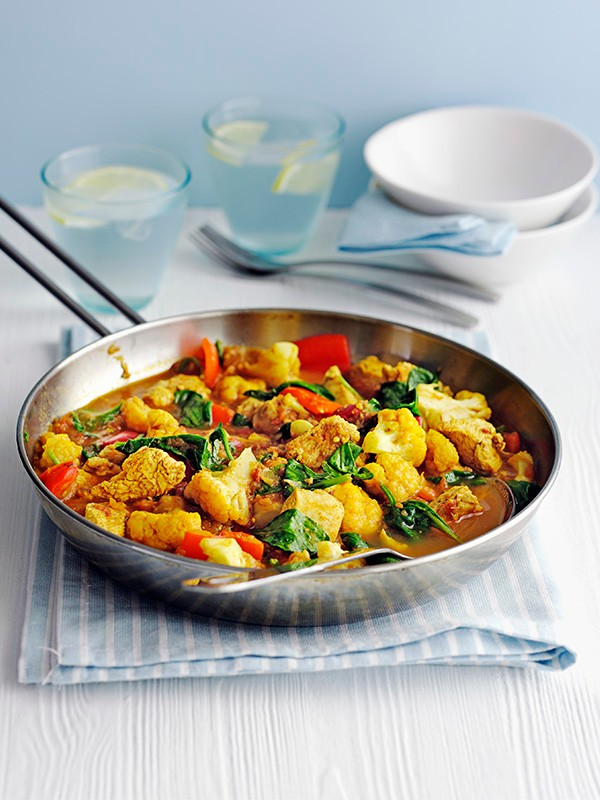 Healthy Chicken Curry served in a large silver frying pan ready to be served