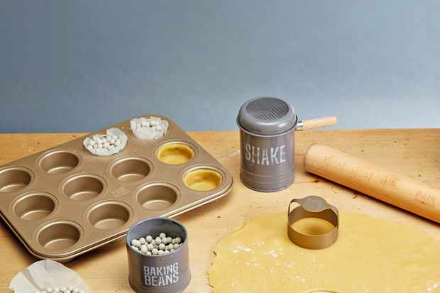 Paul Hollywood's baking kit