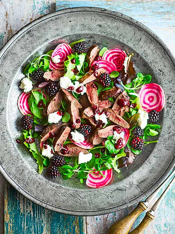 Pigeon Breast Salad Recipe with Blackberries and Ricotta