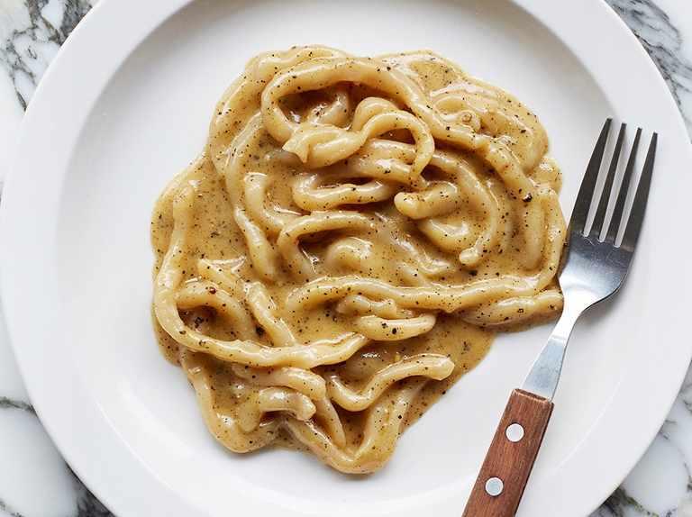 Ricetta Cacio E Pepe Pici.Padella Pici Cacio E Pepe Recipe Olivemagazine