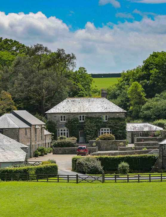 Coombeshead Farm, Lewannick, Cornwall Review