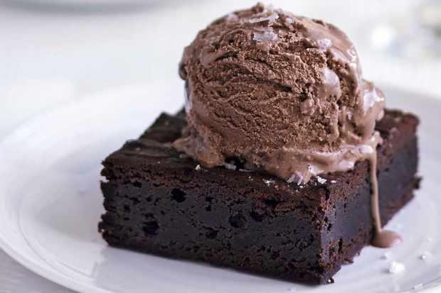 Chocolate Caramel Pecan Fudge Cake