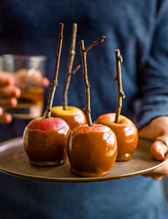 Bourbon Butterscotch Toffee Apples