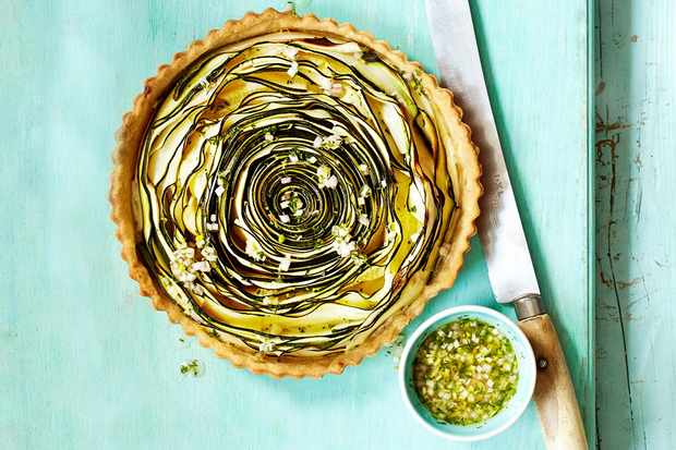 Spiral courgette tart with dill dressing