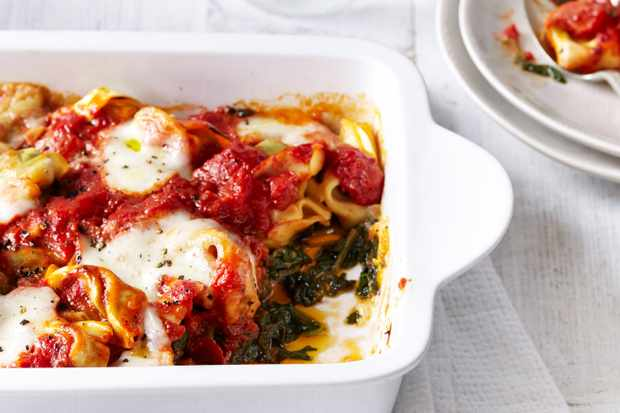 Baked tortellini with spinach and chilli