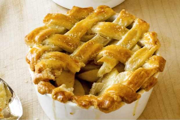 Spiced sugar crust apple pies