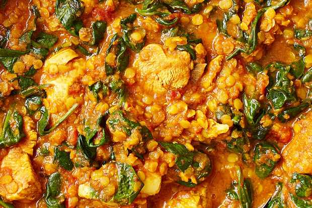 Best ever healthy diy takeaway recipes under 500 calories olive this chicken saag recipe proves that you can eat healthily without having to miss out on your favourite foods this comes in at under 500 calories and is forumfinder Image collections