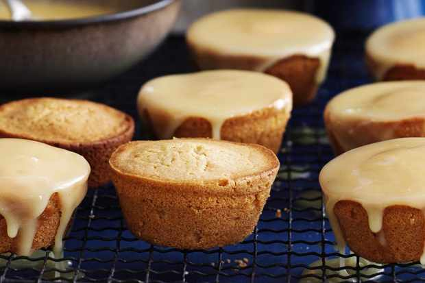 This Recipe For Sticky Honey Cakes Is Really Easy To Make And They Look Great The Combination Of Lemon Ginger Works Well Together
