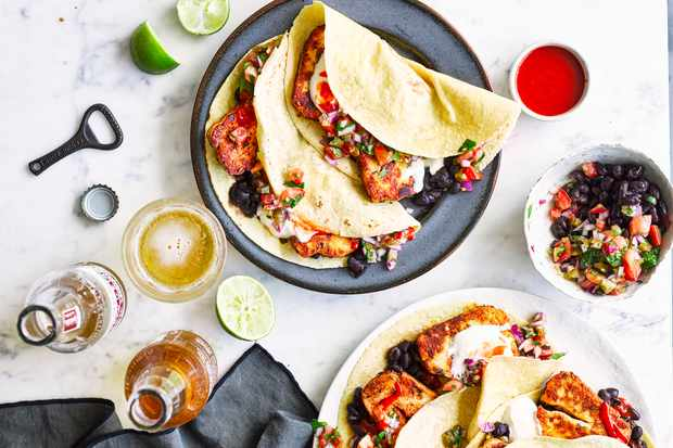 Crusted halloumi tacos with pico de gallo