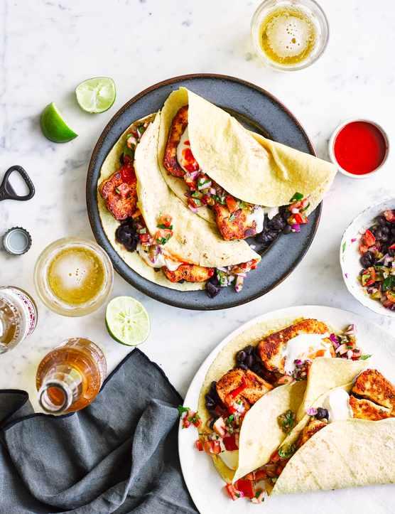 Vegetarian Tacos With Halloumi and Pico De Gallo
