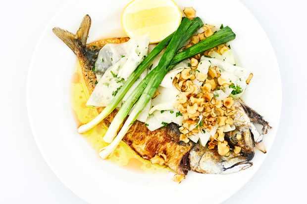 Whole roast mackerel, leeks, kohlrabi and jerusalem artichokes