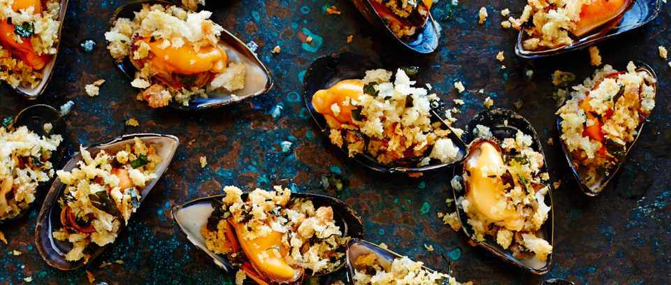 Grilled mussels with gremolata crumbs