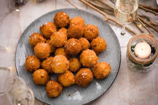 Rarebit and pickled onions croquetas recipe