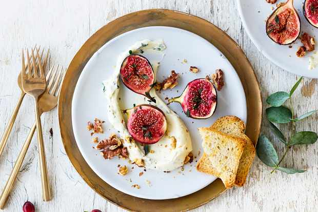 Whipped goat's cheese with baked figs