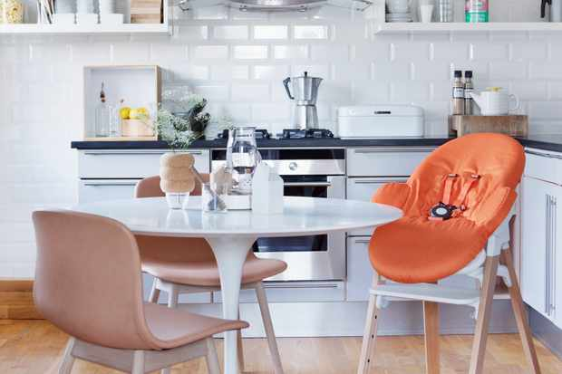 Stokke Steps Natural with Bouncer Orange