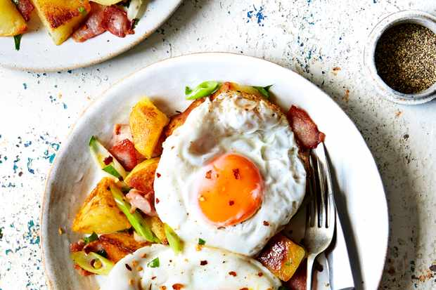 Diner-style eggs with spicy potatoes served in bowls