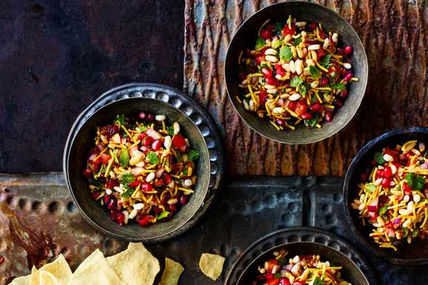 Bhel Puri Recipe with Pomegranate
