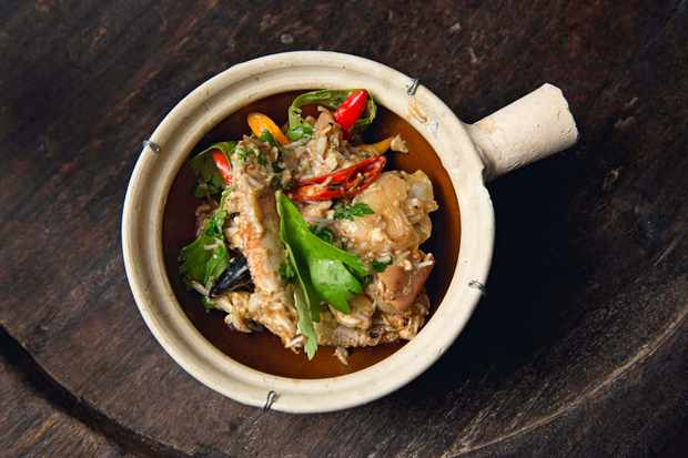 Curried Crab with Egg & Soy