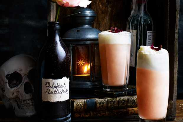 Rhubarb and rose gin fizz