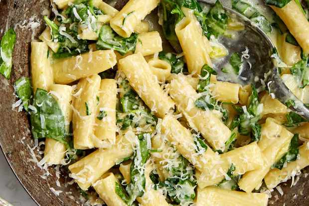 goats-cheese-and-spinach-pasta