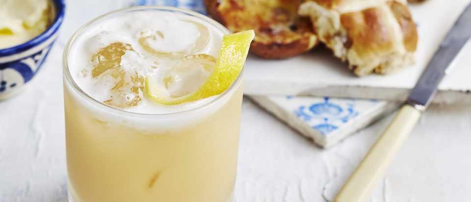 Hot-Cross Amaretto Sour