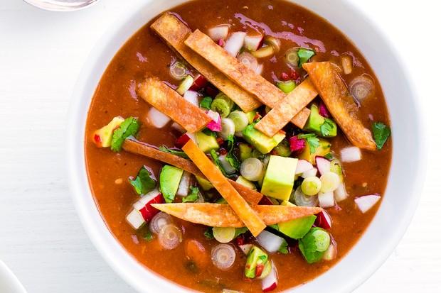 zuppa di tortilla al peperoncino