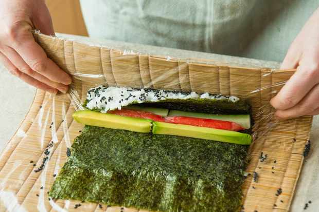 Step 6: rolling the sushi tightly