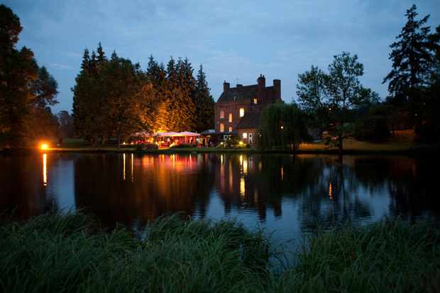 Auberge du Lac, Hertfordshire