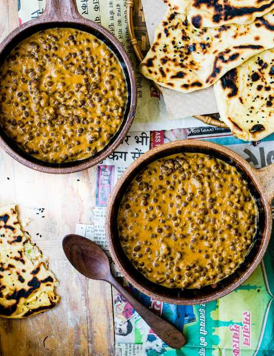 Black Dal Recipe With Paneer-stuffed Naan