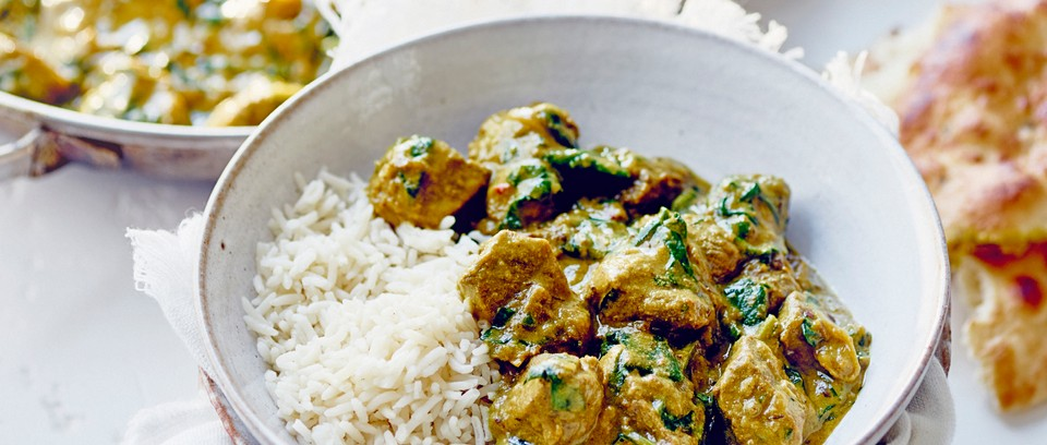 Creamy Lamb Spinach And Cashew Curry