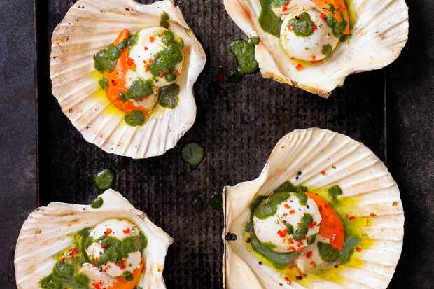 Scallops with Vietnamese herb sauce