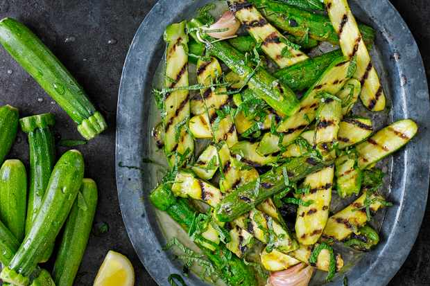 lemon and mint marinated courgettes