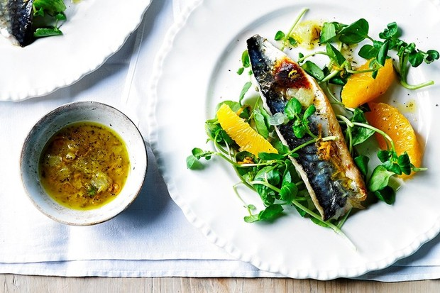 Grilled mackerel fillets with lime mojo