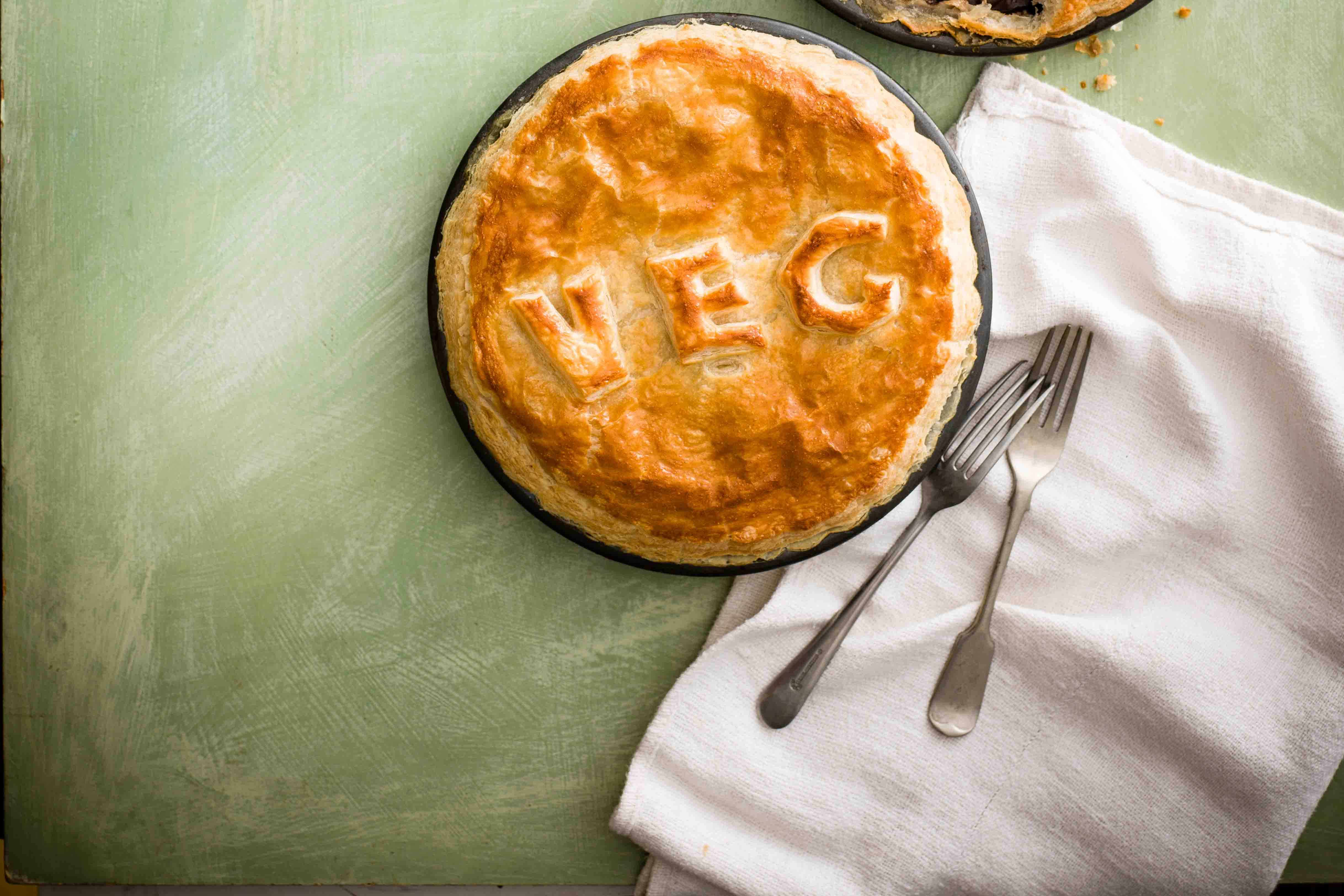 Vegetarian Pot Pie Recipe with Leeks and Cheese