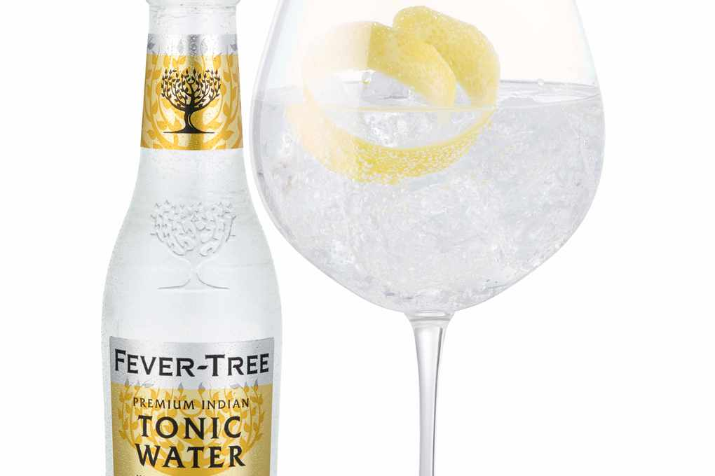Indian Tonic water with lemon Curl