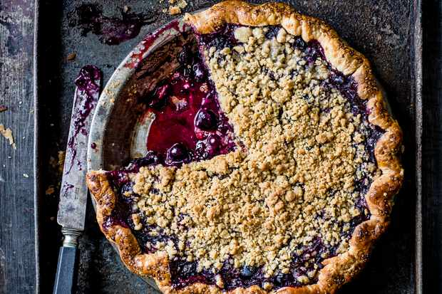 Black and Blue Crumble Pie Recipe