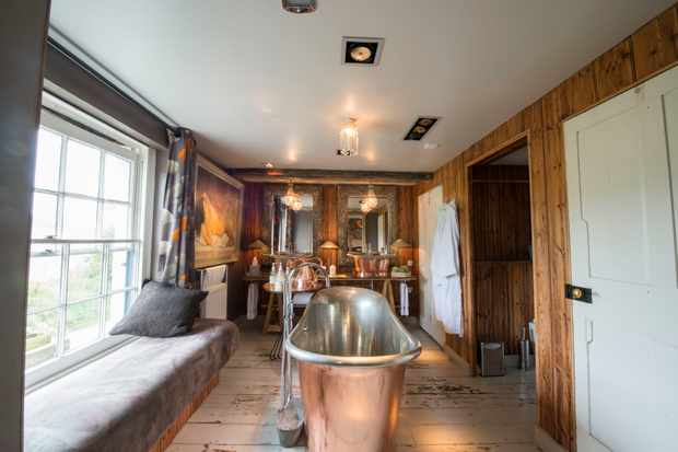 The Five Bells Inn, Ortega bathroom