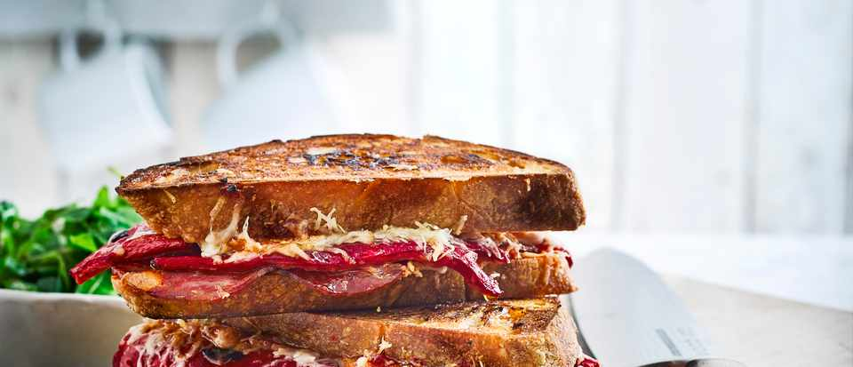 Chorizo, manchego and pepper pan toasties recipe