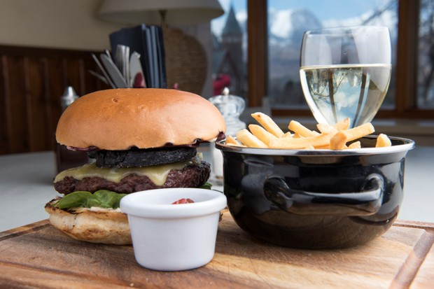 The Torridon Inn bar burger