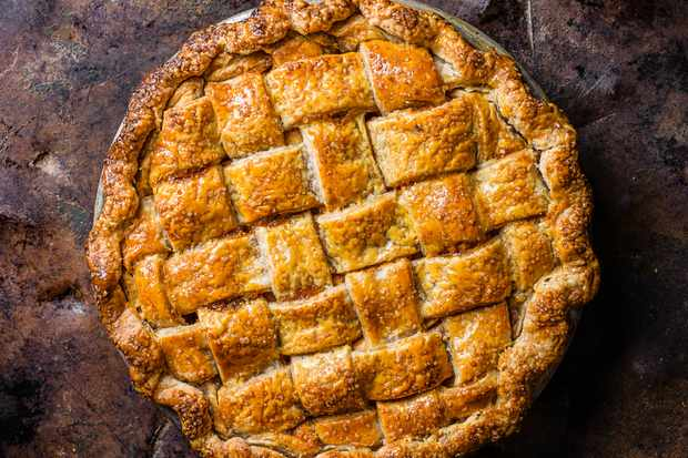 Whisky and rye salted caramel apple pie recipe